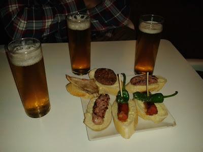 Seis tapas y tres birras