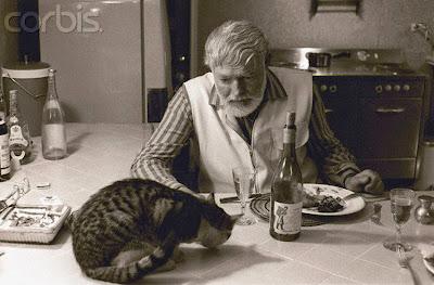 Escritores y gatos: una alianza entre seres libres