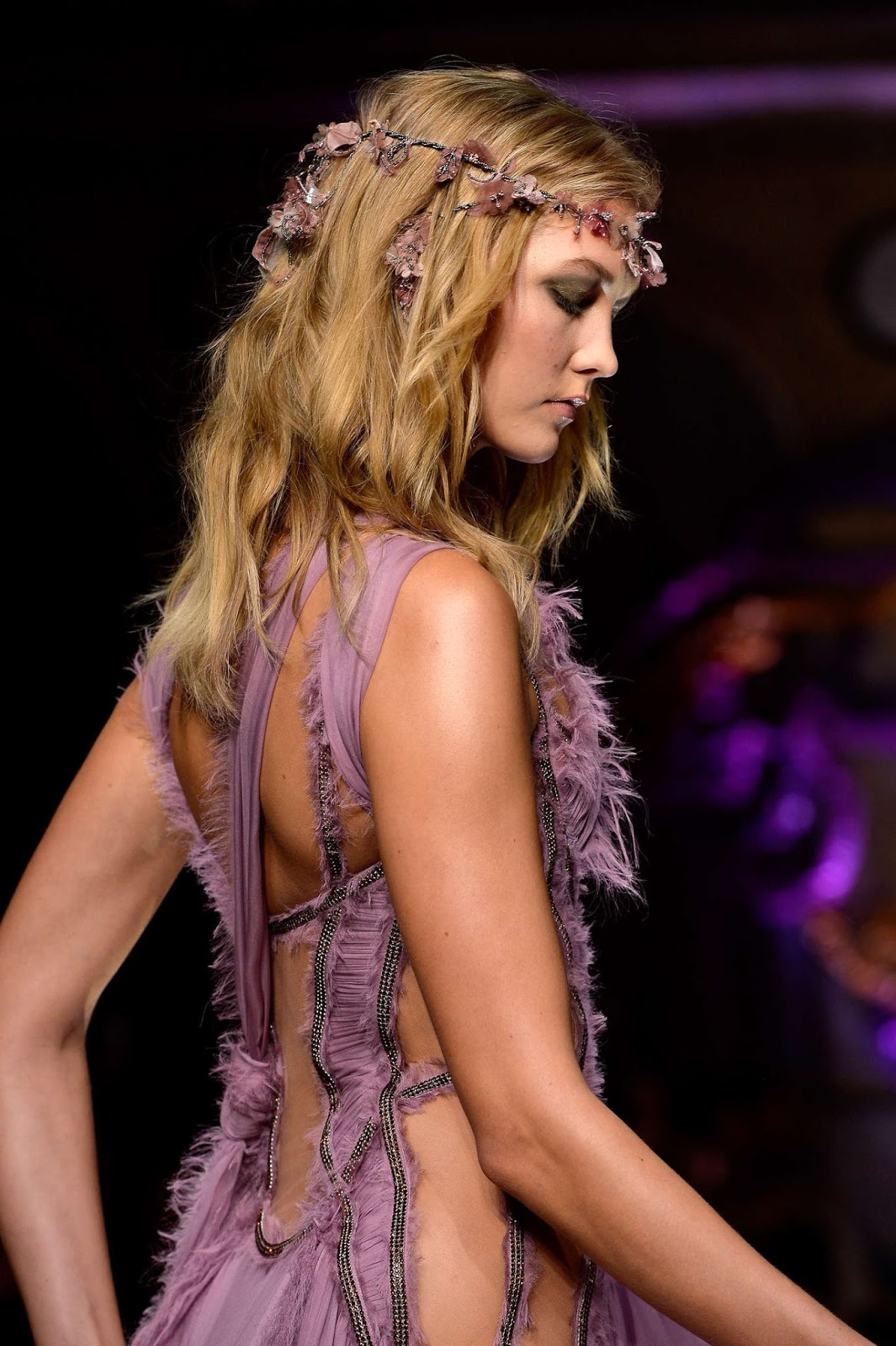 Karlie Kloss: Versace Fashion Show 2015