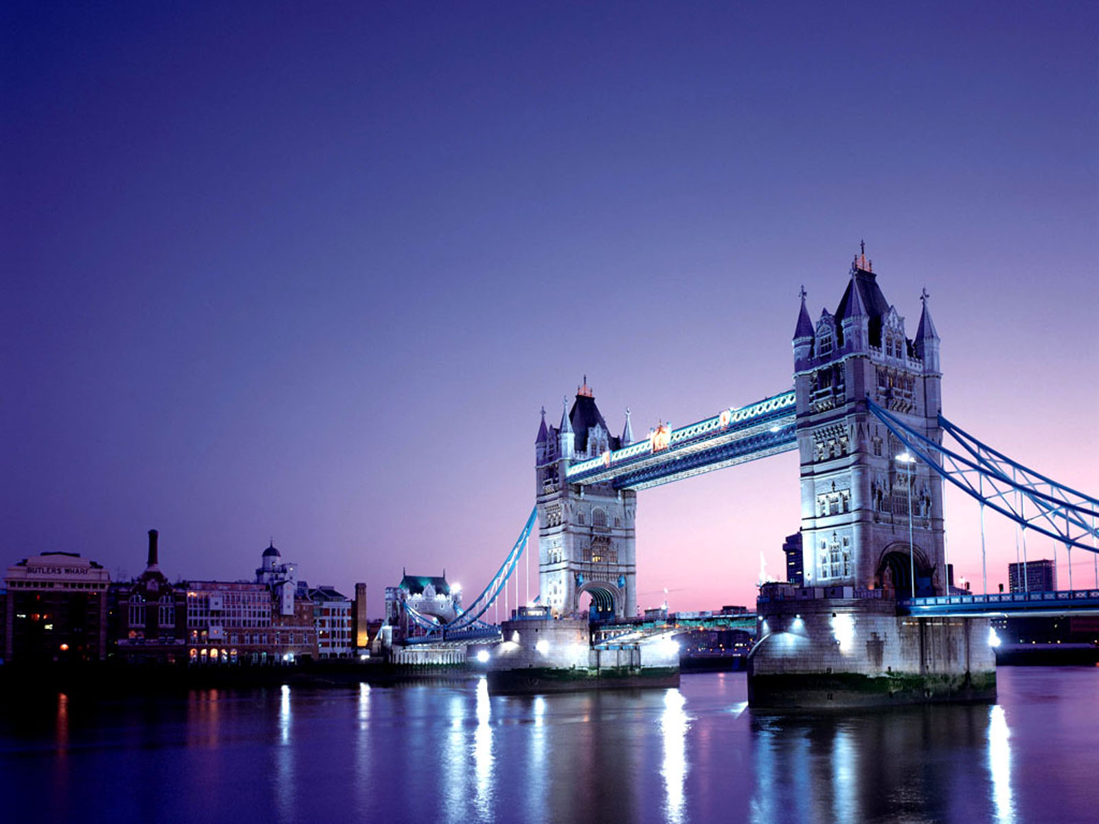 Wallpapers tower bridge london wallpapers for Image fond d4ecran