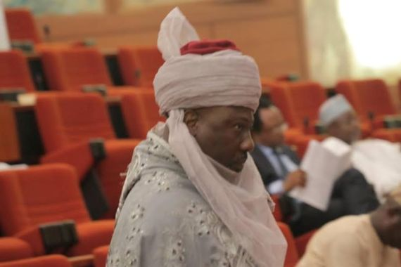 Dino Melay Wears His Turban Outfit To Senate Plenary Session
