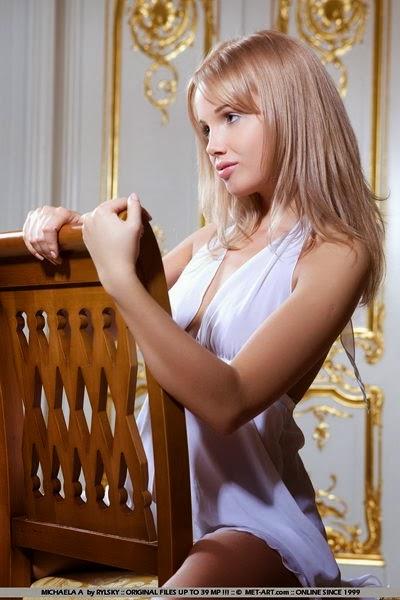 Schoolgirl Nude Pictures