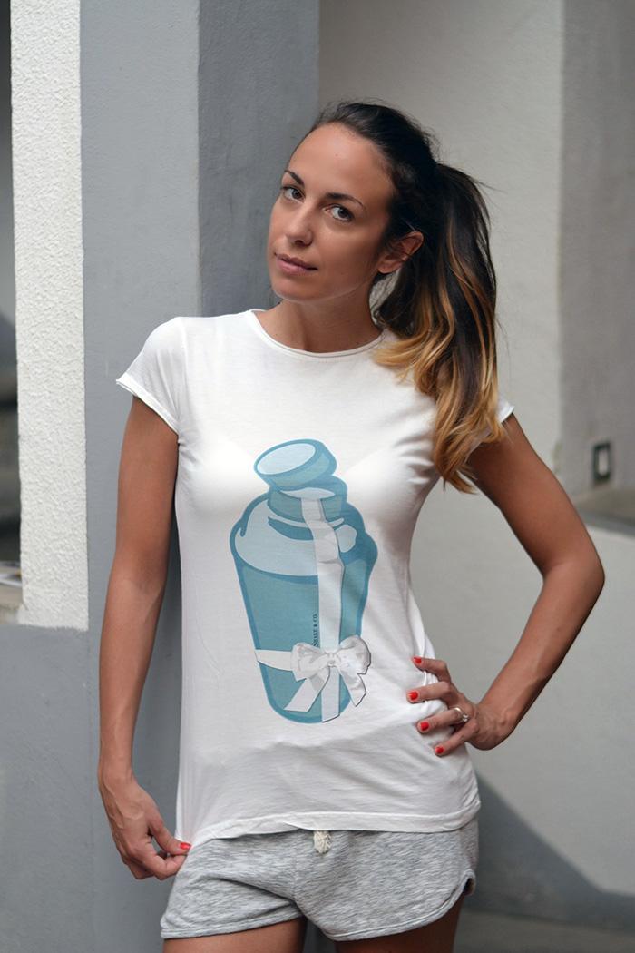 t-shirt shaker