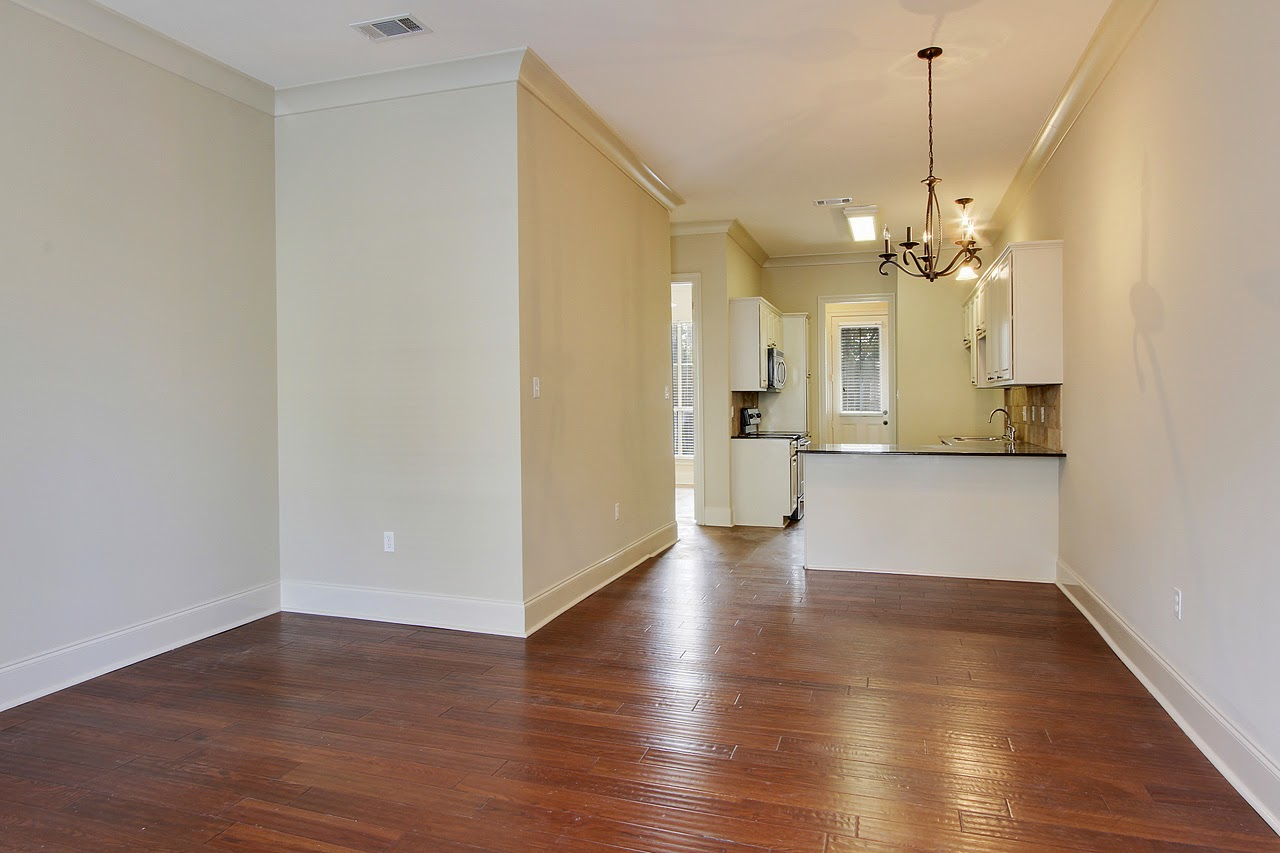 http://www.buyorsellbatonrougehomes.com/listing/mlsid/393/propertyid/2014003565/