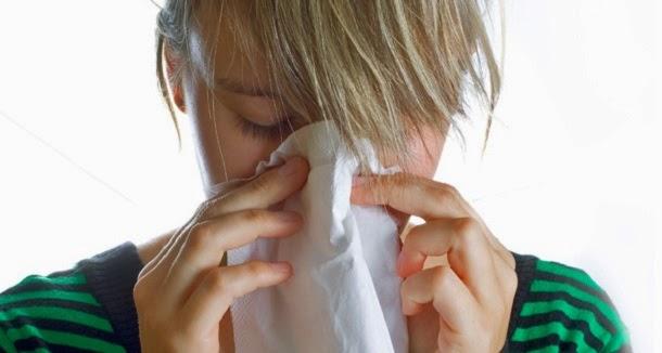 O que causa um espirro?