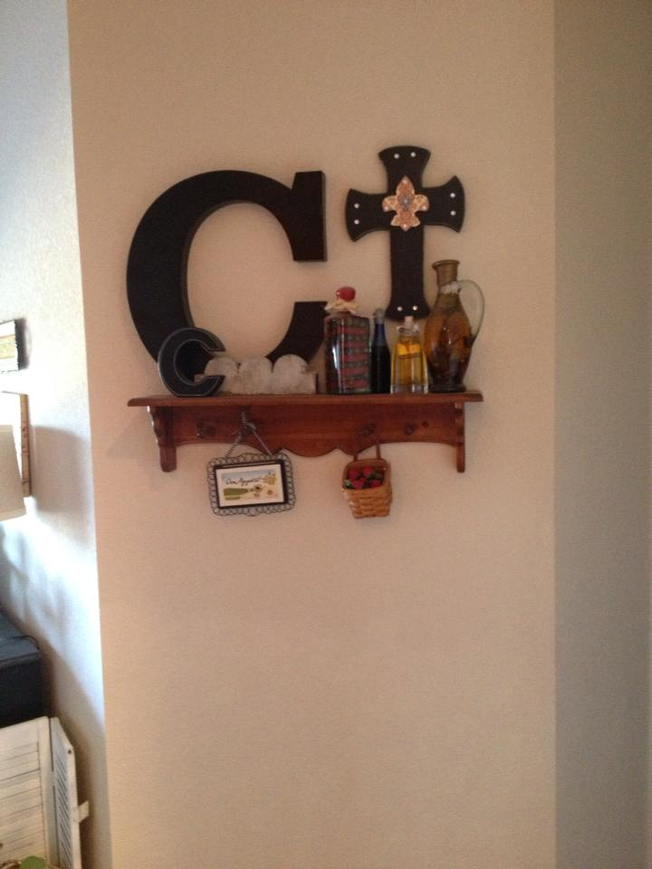 Southern Style Cottage Kitchen Gallery Wall
