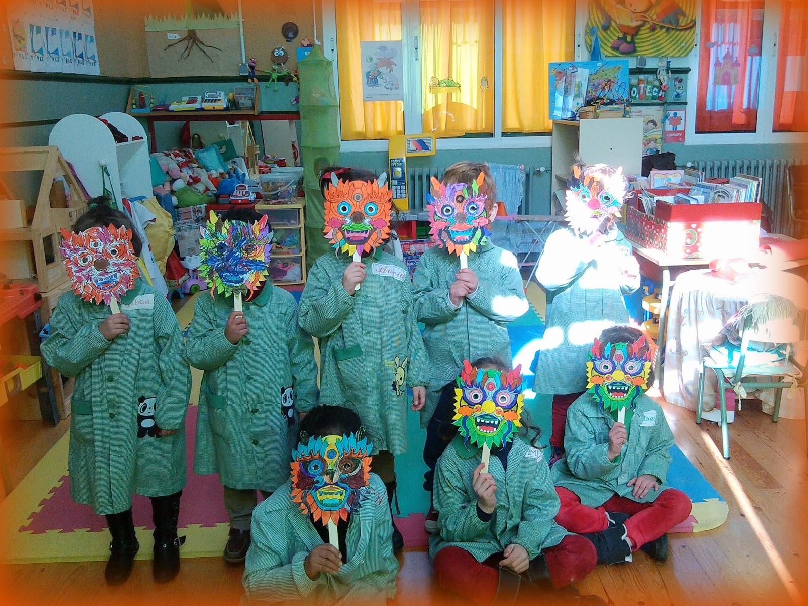Qué puedo hacer hoy?: Máscaras y palillos