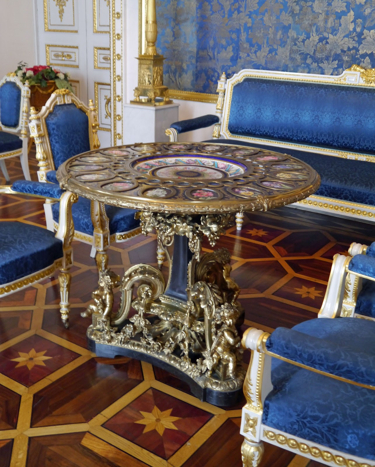 Photo blog st petersburg yusupov palace furniture for Furniture palace