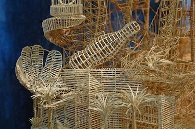 http://2.bp.blogspot.com/-10origWpQRI/Tclf_AMJ-fI/AAAAAAAAPKc/Y5zfbg8WCg4/s1600/toothpick-kinetic-sculpture-san-francisco-8.jpg