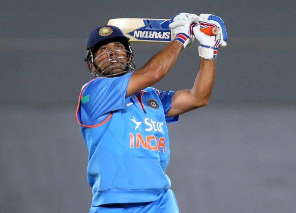 MS-Dhoni-New-Zealand-vs-India-3rd-ODI-2014