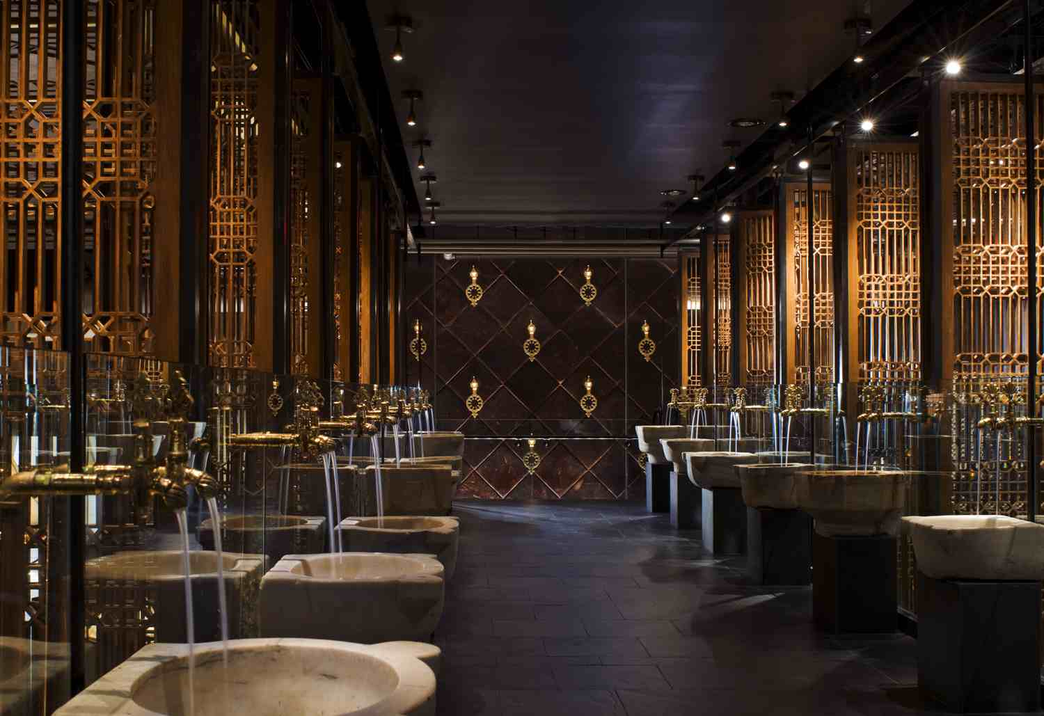Lavo las vegas restaurant interior design for Las vegas interior designers