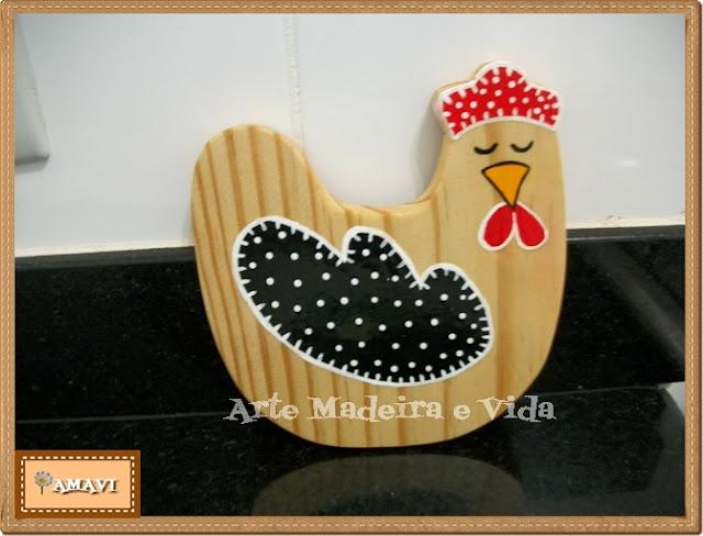 pendurador de madeira modelo galinha