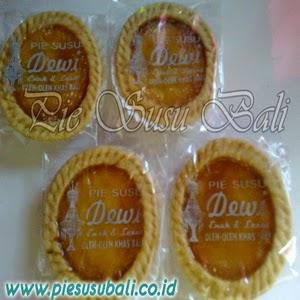 Penjual Pie Susu Bali Di Bandung