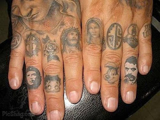 finger tattoos, tattooing