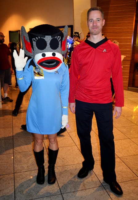 Dragon Con 2014 Cosplay | Spock Monkey & Red Shirt