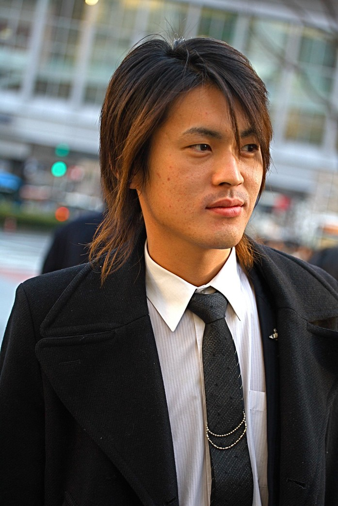 long hair styles for men 2011. long hair styles men.