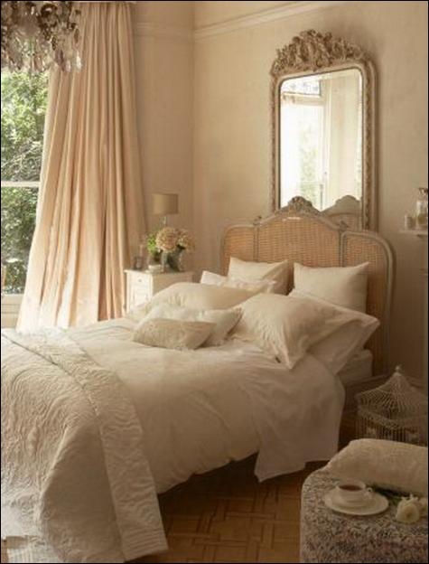 Vintage style teen girls bedroom ideas room design for Chic teenage girl bedroom ideas