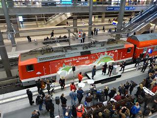 """Regionalverkehr: """"Cranach der Jüngere"""" mit DB Regio unterwegs Zugtaufe anlässlich der Betriebsaufnahme des Verkehrsvertrages Nord /Süd – Moderner und komfortabler an die Ostsee"""