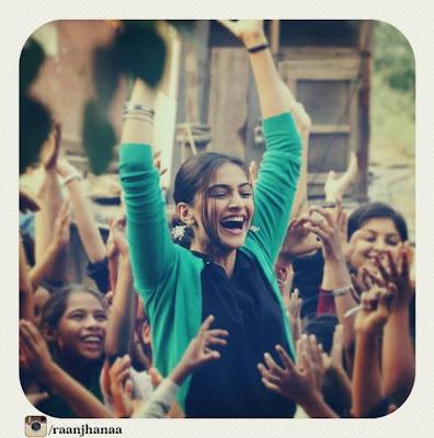'Raanjhnaa' New stills starrer Dhanush & Sonam Kapoor