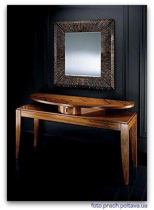 Туалетный столик для спальни модели SINIA от фабрики Smania.