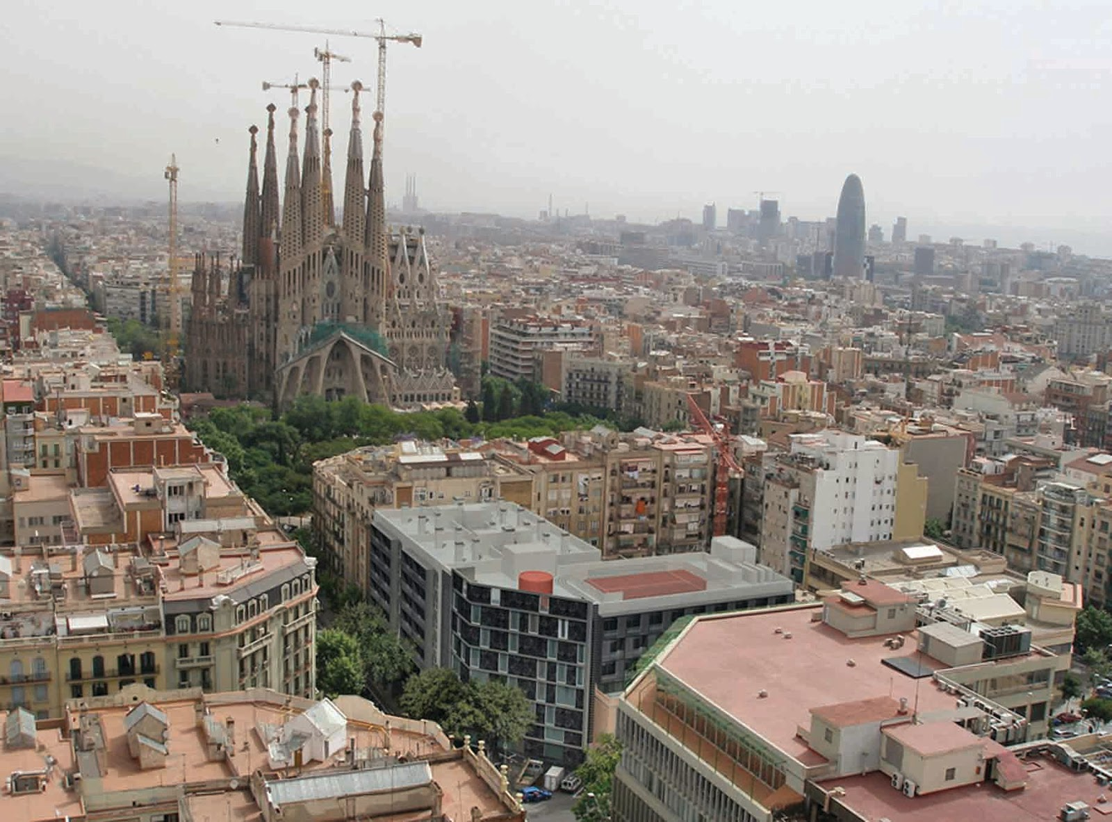 Traveling to 202 countries guidance 10 places in the for Hotel barcellona centro