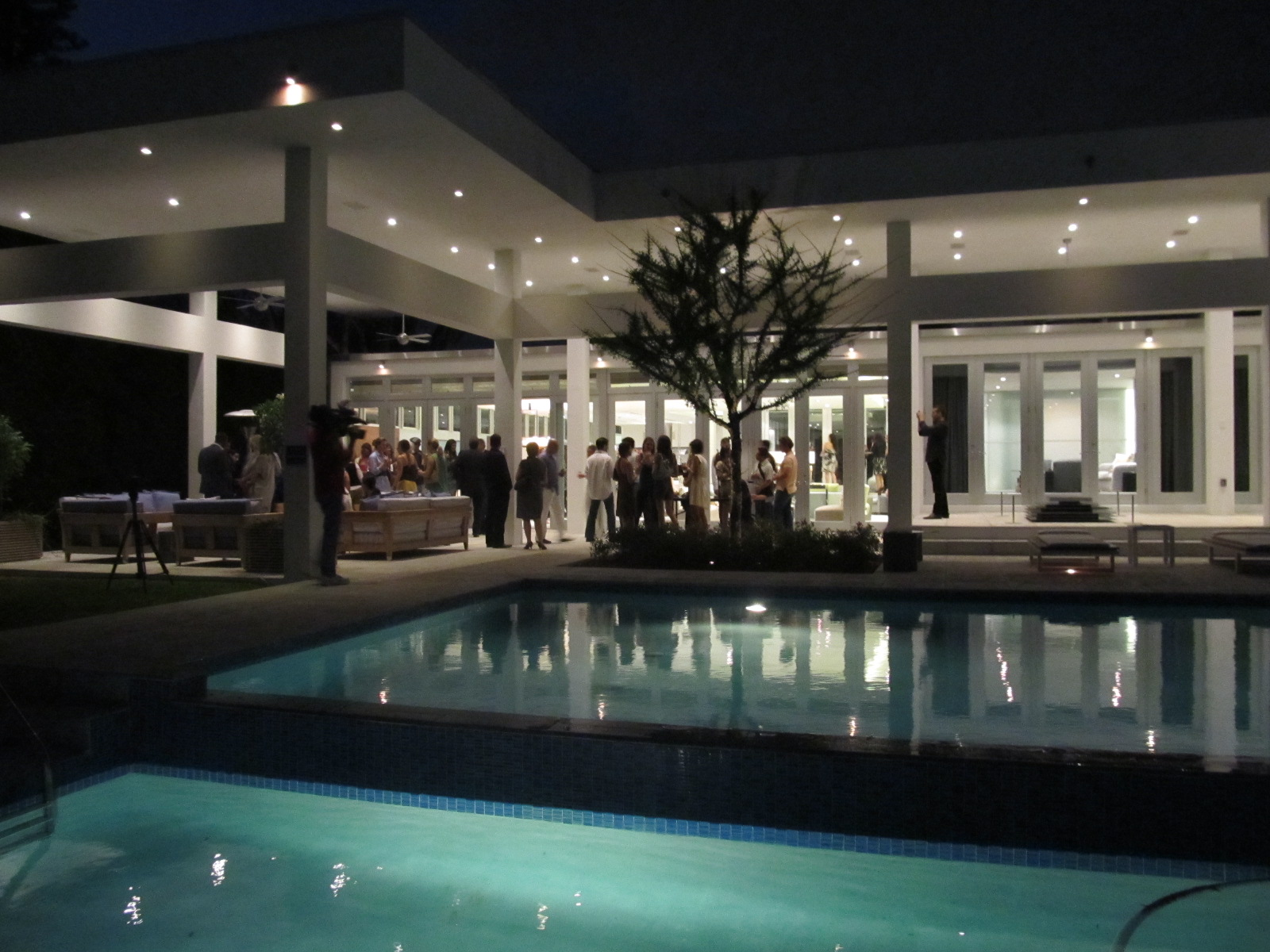 Artistic Soiree Miami Art Museum Contemporaries Young Collector