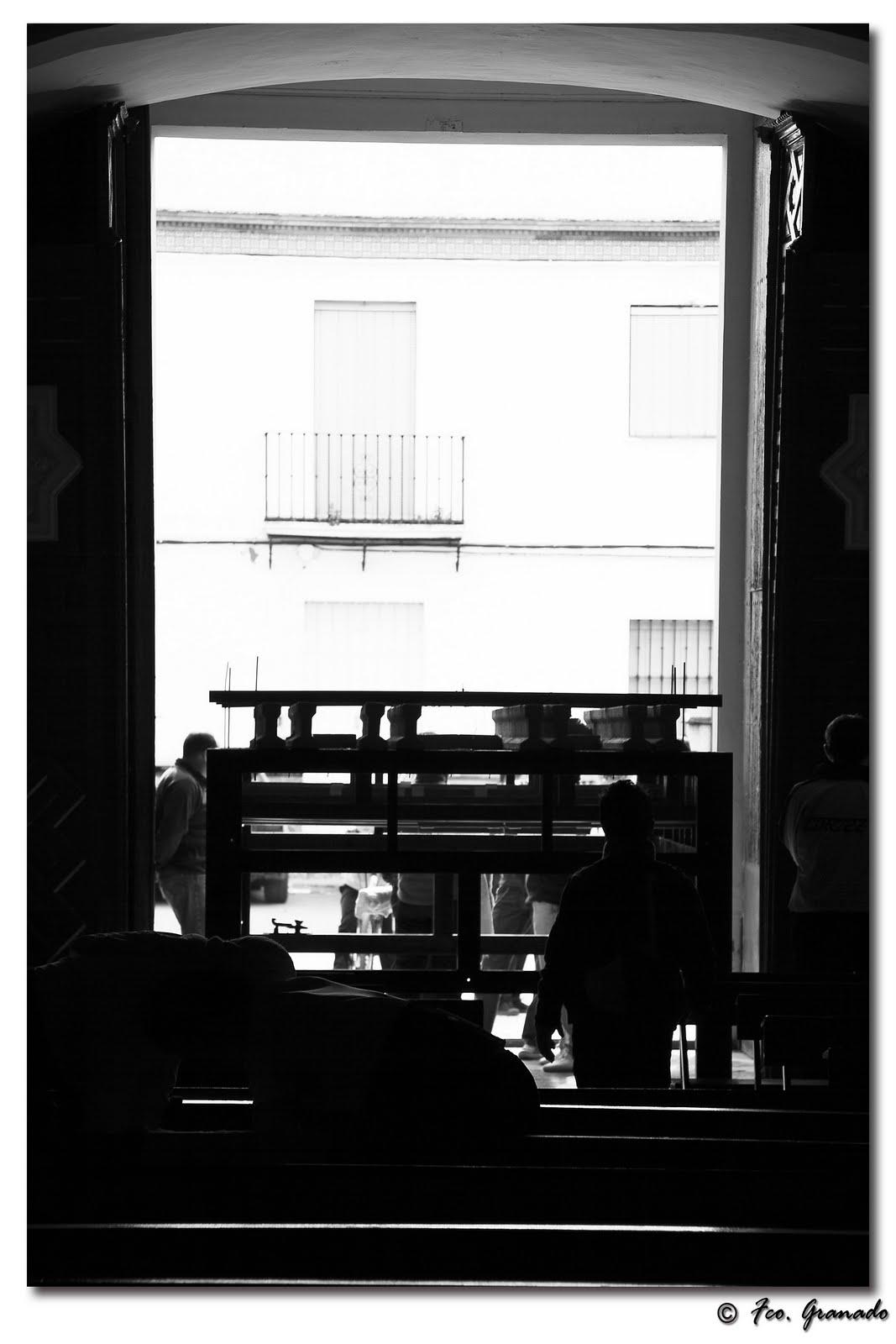 http://franciscogranadopatero35.blogspot.com.es/2011/03/ensayo-de-costaleros-de-la-virgen-de.html