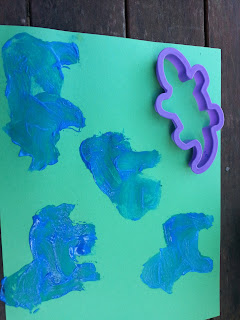 toddler painting, teach kids, painting stencils