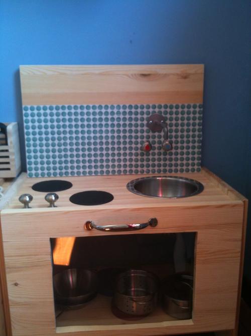 mamma crafted ich baue eine kinderk che. Black Bedroom Furniture Sets. Home Design Ideas