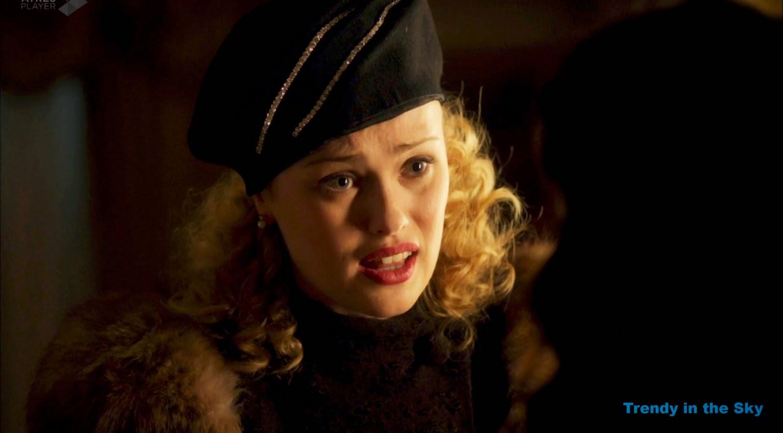 Rosalinda Fox sombrero. El tiempo entre costuras. Capítulo 10