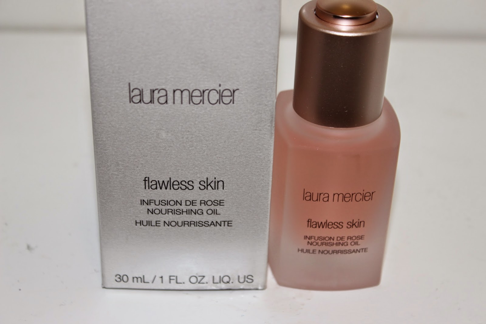 Laura Mercier Flawless Skin infusion de Rose Nourishing oil - Review