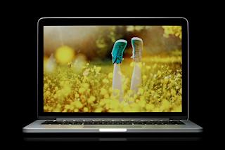 Retina Macbook Pro Dengan Layar 13 Inchi