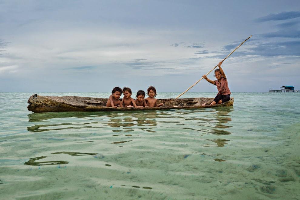 Жизнь морских цыган (14 фото)