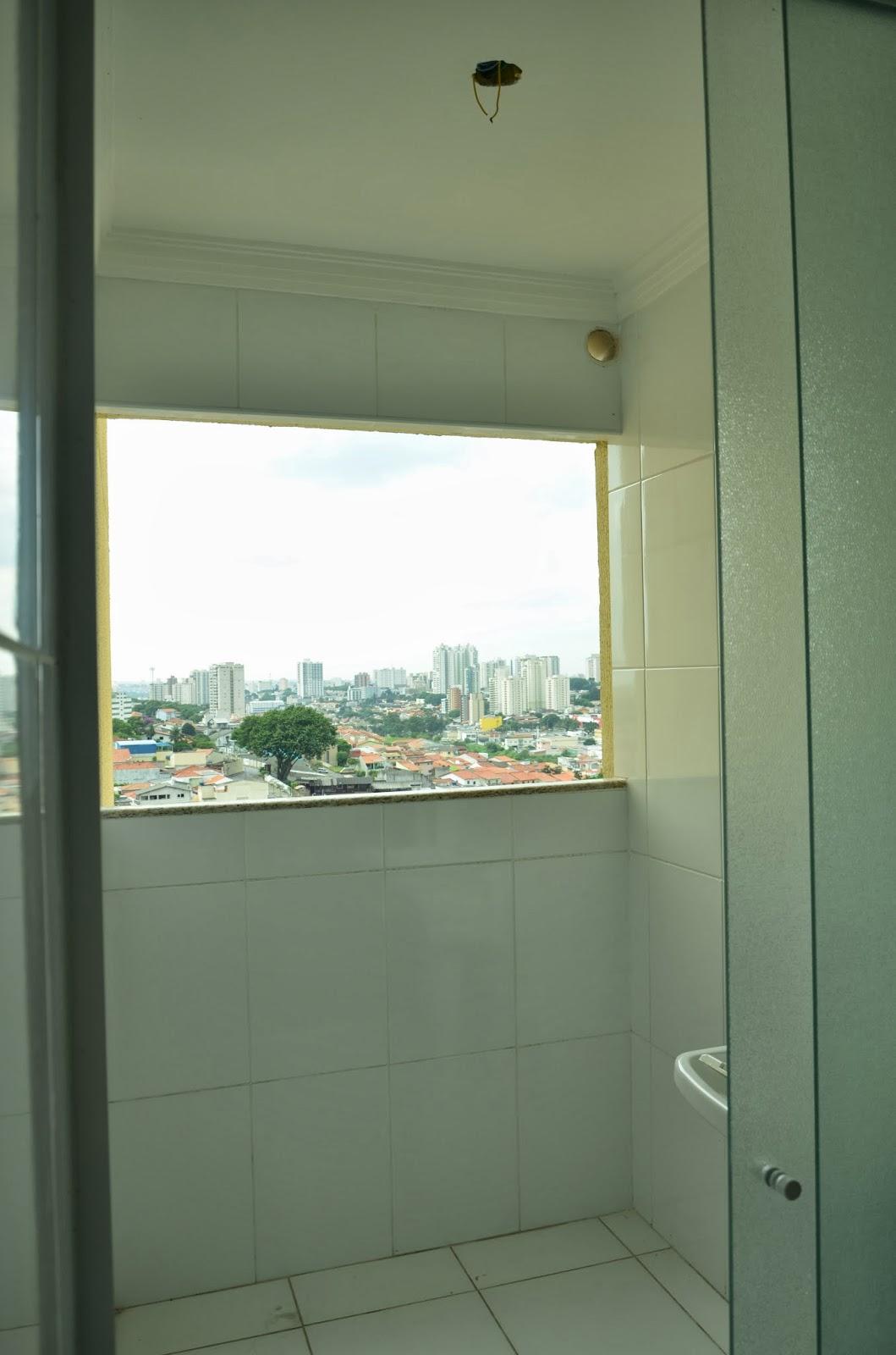 #856B46 Suíte Master: Luz e Janela de lavanderia 1642 Janela De Aluminio Lavanderia