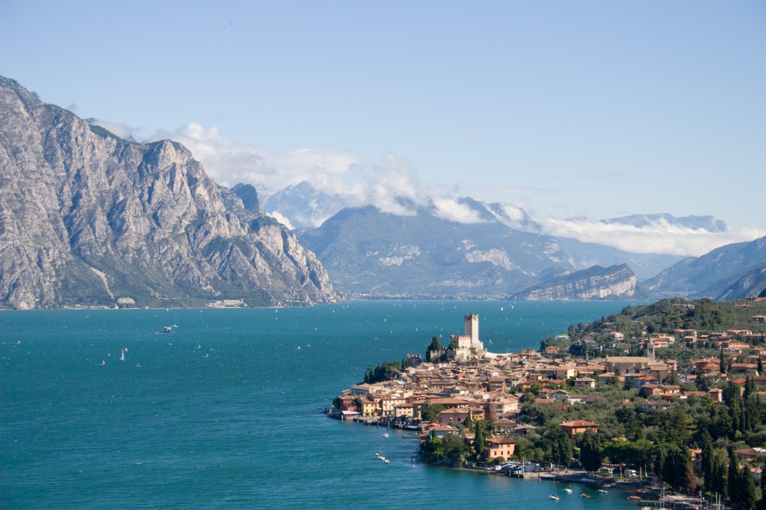 Travel trip journey lake garda the largest lake in italy for The italian