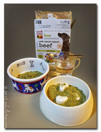 Dehydrated dog food and dog bowls