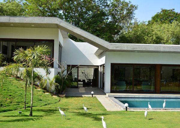 Modern and Luxurious Home Design by Natural Beauty - home987 ...