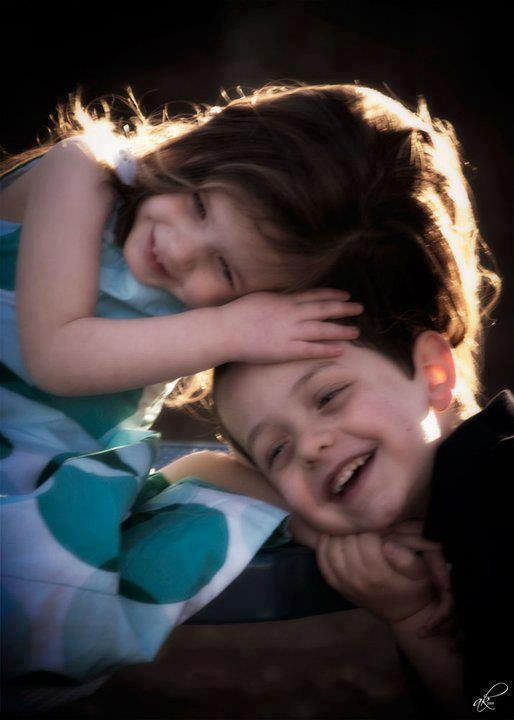 Wallpaper Love Girl Boy Kiss : Kids Expression Photos cute Babies Pics Wallpapers