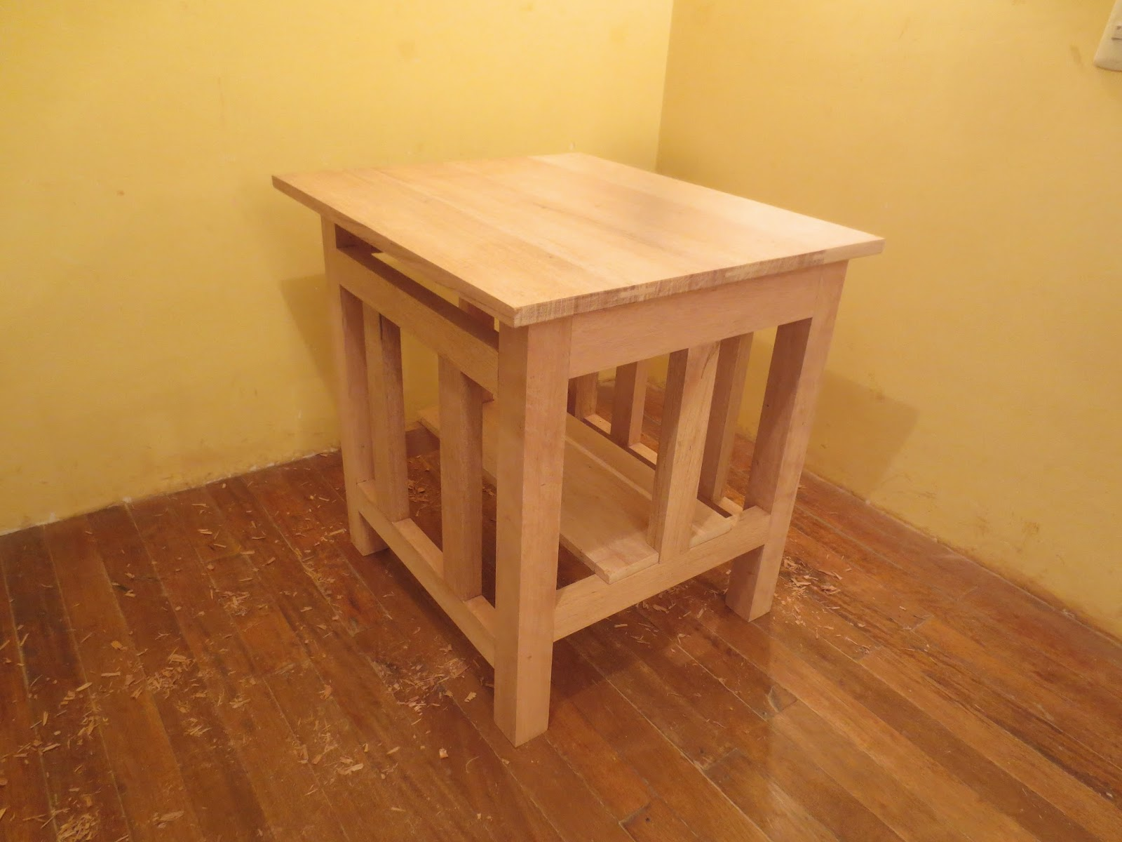 Decoraciones manualidades en madera como hacer una sierra for Mesa sierra circular