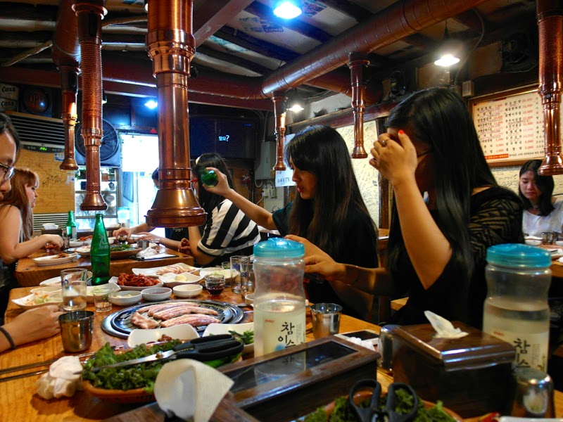 ewha university summer studies seoul korea travel lunarrive blog singapore sinchon samgyupsal peace buddy dinner
