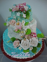 STACK WEDDING CAKE DGN BUNGA GUM PASTE