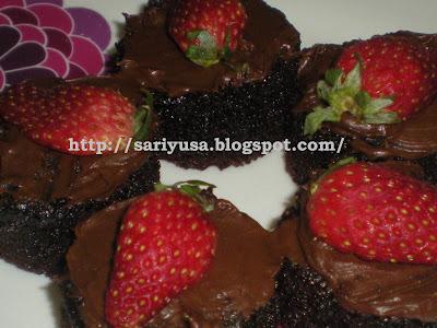 CHOCOLATE MOIST CUPCAKES & TEMPAHAN