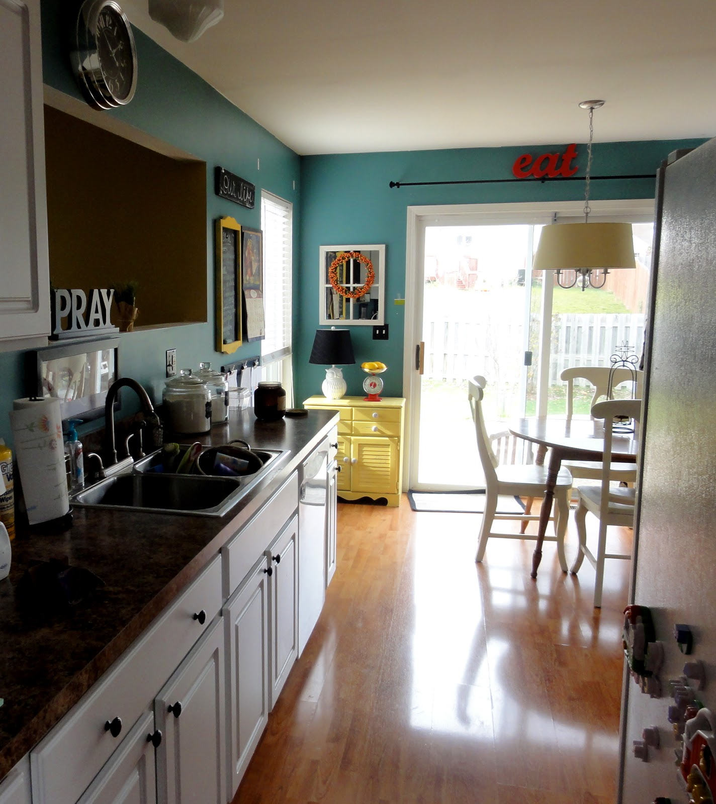 Kitchen Makeover- Paint Changes EVERYTHING - on ideas for kitchens with oak cabinets, ideas for kitchens with island, ideas for kitchens with grey wall paint, ideas for kitchens with glass door cabinets, kitchen remodel white cabinets,