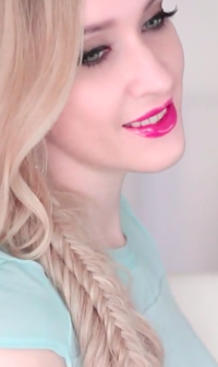 Full Video Tutorial on a Double Fishtail Hairstyle. Beautiful and bold style to attract attention! Check it out! Another Cool Hairstyles For Girls
