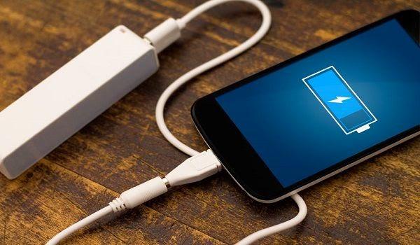 kebiasaan yang bisa merusak baterai