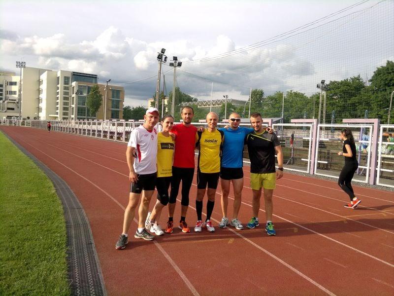 Alergare cu doi fosti fumatori, Andrei Rosu si Ciprian Stefanescu, la Stadion Stiinta, Timisoara. Alergarea este mai buna decat fumatul. Grup