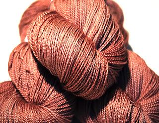 http://laine-et-plus.com/produit/ef-merinos-et-soie-lace-pchitt/