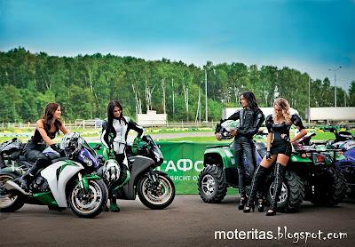 moto-deportiva-chava-cuatriciclo-pista-superdeportiva-wallpaper