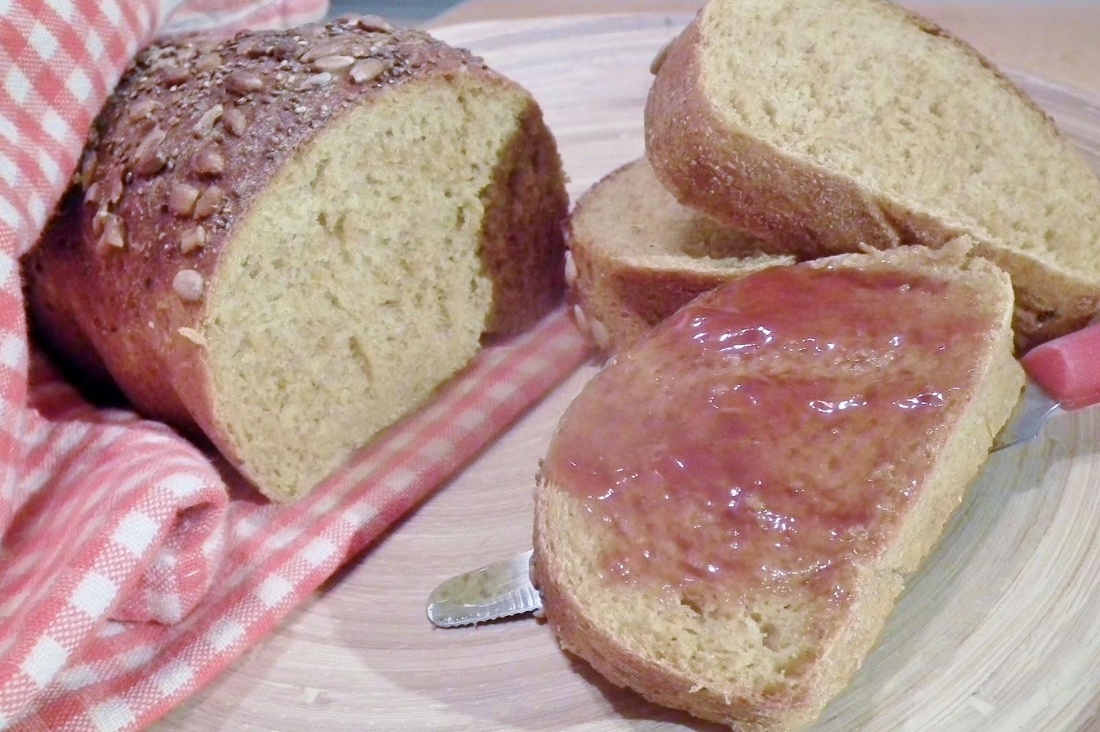 pane alla zucca semi-integrale senza grassi ma con i semi
