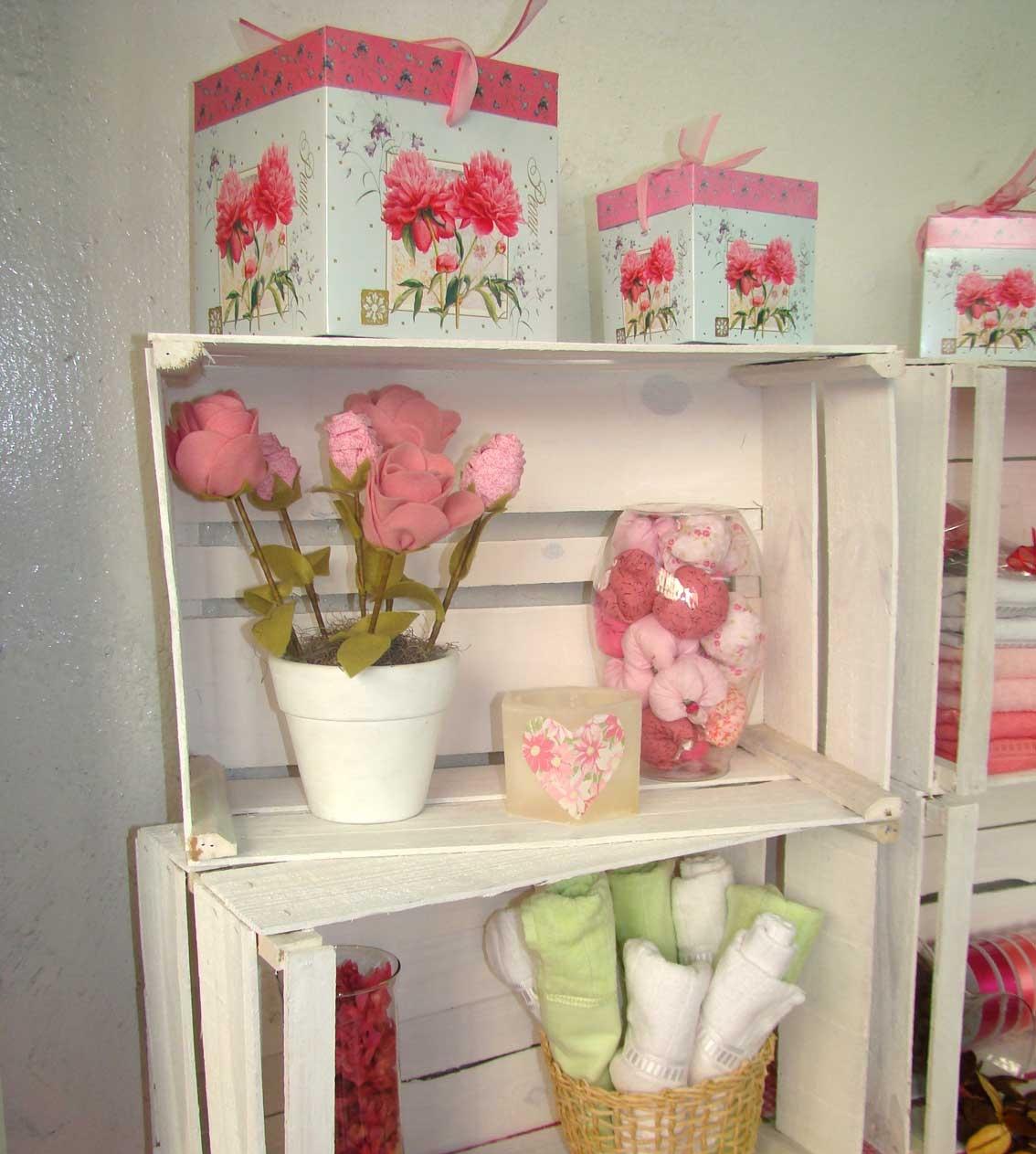 decoraçao simples e econômica Pallets e caixotes na decorção -> Armario De Banheiro Com Caixa De Feira